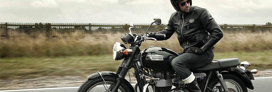 Comment s'équiper pour des trajets à moto en automne ?